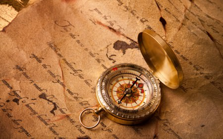 Compass-close-up_2560x1600