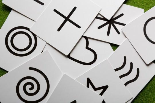 レスポンシブデザインと相性がいいカード型デザインとは?