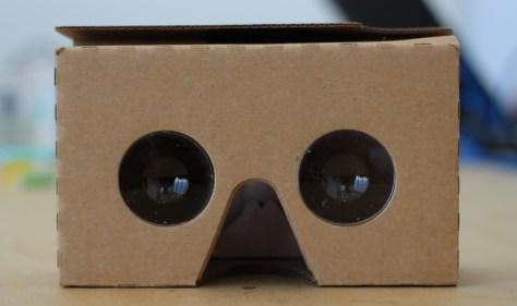 カードボード、スマホ、VR