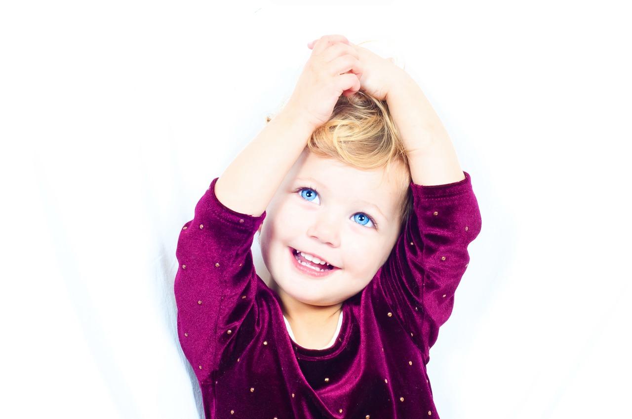 大人と子供では笑う回数がこんなにも違う!